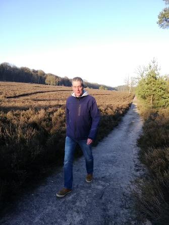Martijn Brouwer kan weer kilometers wandelen met een hernia. Hij volgde laserbehandeling bij Lasertherapie Nederland.