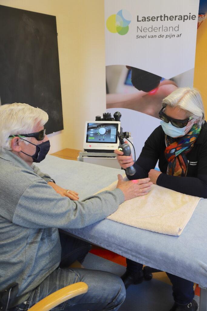 Niet meer wakker van de pijn dankzij lasertherapie
